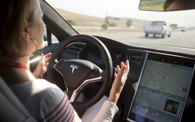 Tesla looks at the sharing economy